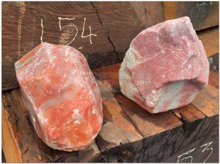 Lộ gần 11.000 kg đá phấn quý hiếm nhập lậu về Việt Nam